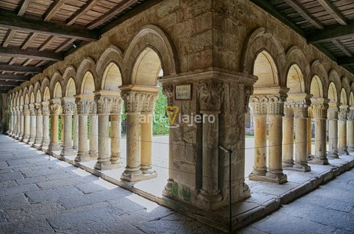 claustro de la colegiata de santa juliana