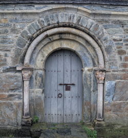 portal prieuré de serrabone