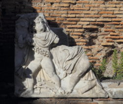 relieve romano ostia antica