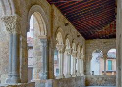 galería porticada de la iglesia de san lorenzo
