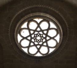 rosetón de la iglesia