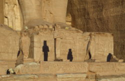 fachada del templo de ramsés ii