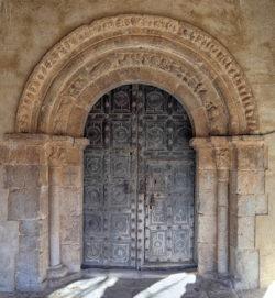 portada románica villasayas