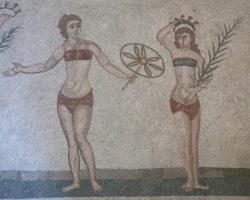 mosaico con chicas bikini
