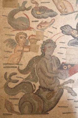 mosaico con deidades marinas