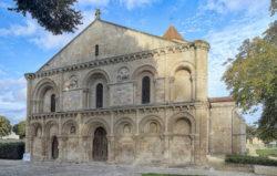 iglesia de surgéres