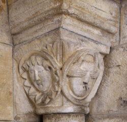 capitel románico charlieu