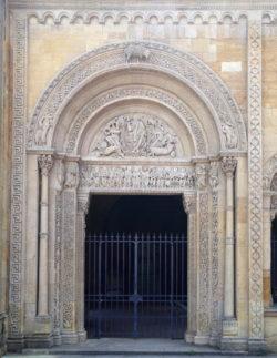 portada abadía de charlieu