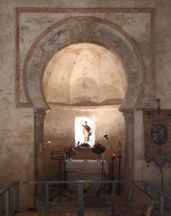 iglesia mozárabe de peñalba de santiago