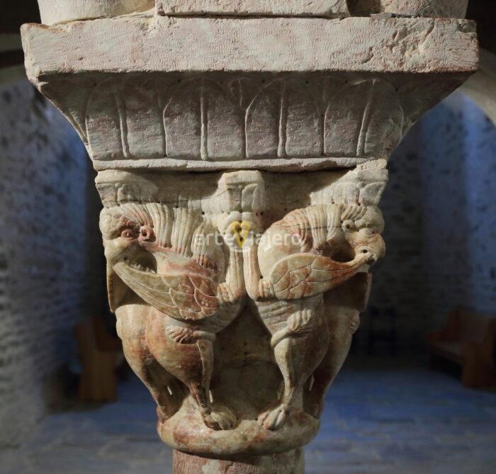 grifos en el arte románico