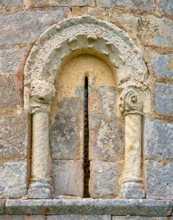 ventana iglesia de fuente úrbel