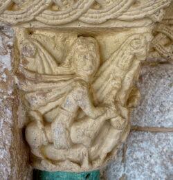 capitel sansón león