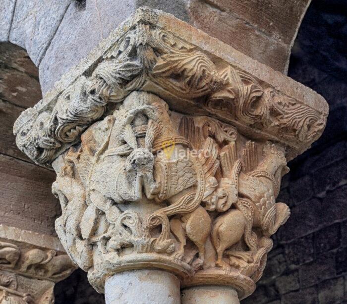 grifos románico