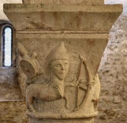 capitel centauro sagitario románico