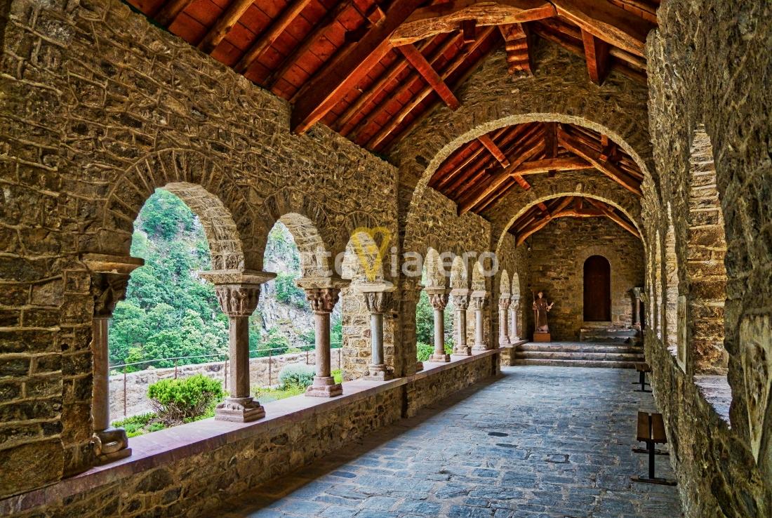 claustro de san martín del canigó
