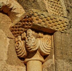capitel de la iglesia de tagarrosa